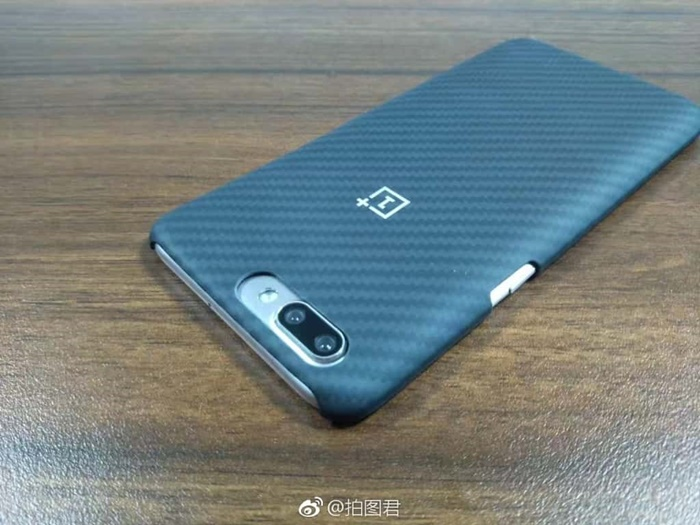 OnePlus-5-Kevlar-case-and-OPPO-R11-pre-launch-1